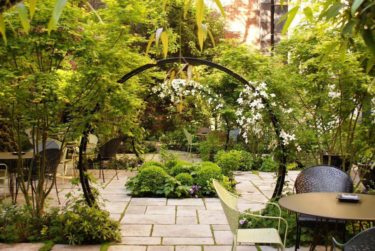 Cr ez votre jardin de babylone mourat immobilier for Jardinet en anglais
